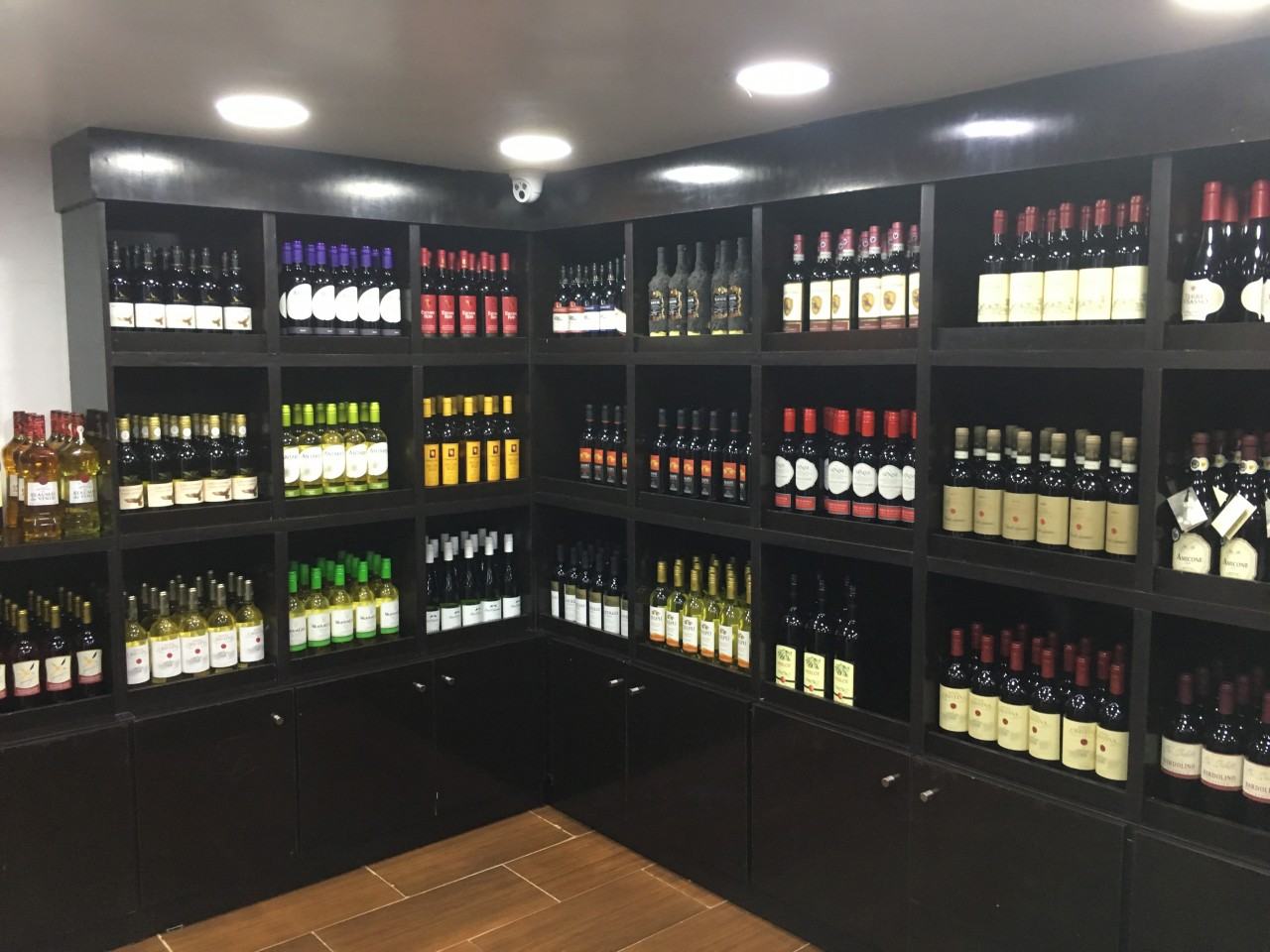 Pelssy Wines and Spirits